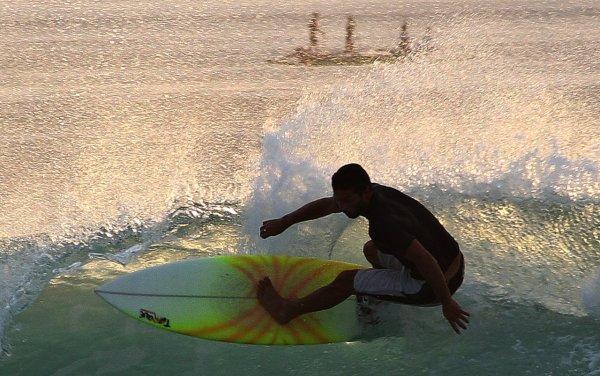 балийский серфер