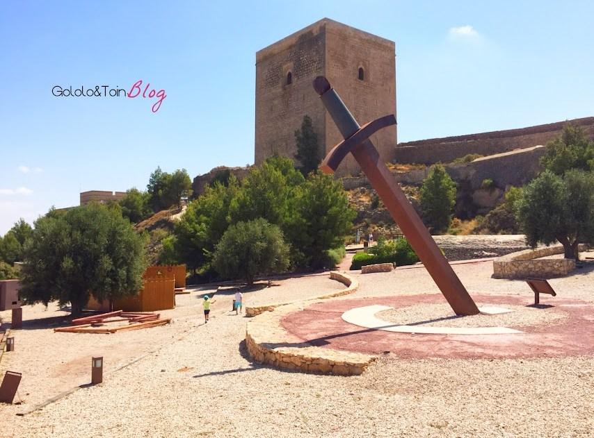 fortaleza-sol-lorca-españa-murcia-castillo-medieval-defensa-torre-espada-excursiones-niños