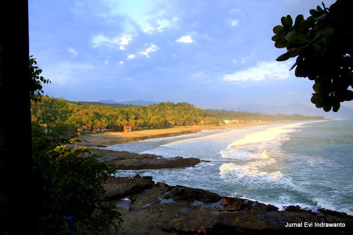 Sore di Pantai Karang Hawu