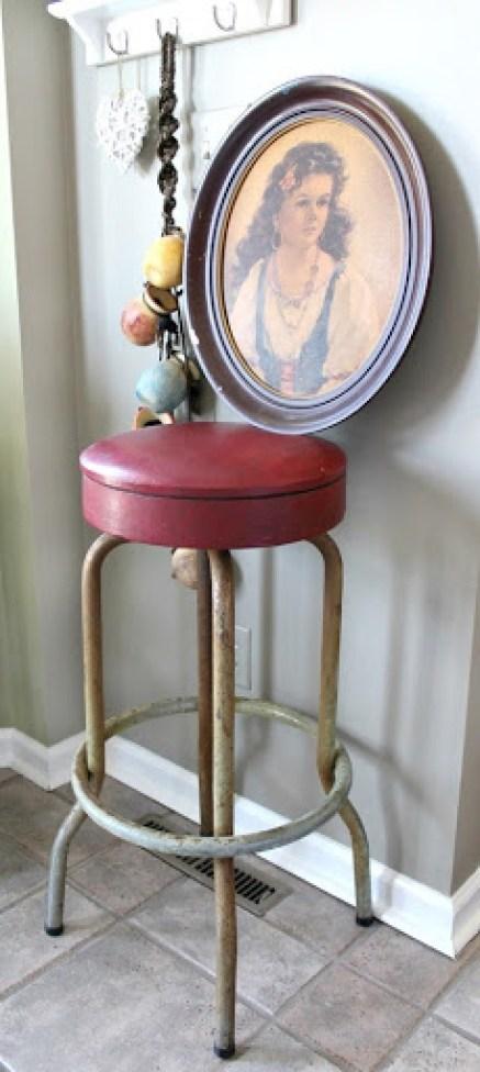 vintage-bar-stool-and-artwork-1