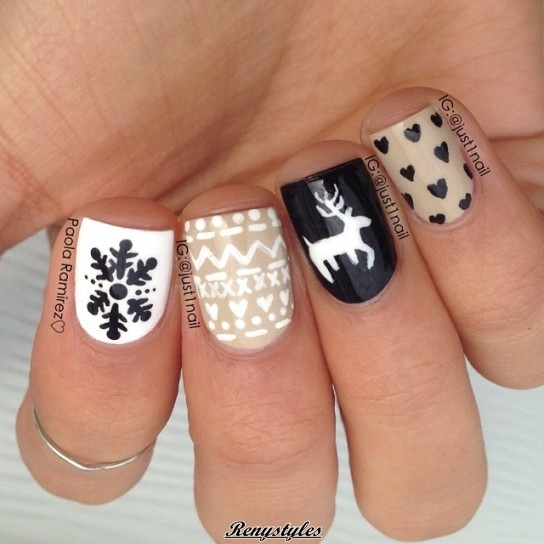 Fabulous reindeer nail art designs ideas reny styles this nail art is largely galvanized by a try of rangifer tarandus leggings it conjointly resembles to most of alike sweaters that you wear and these are prinsesfo Images