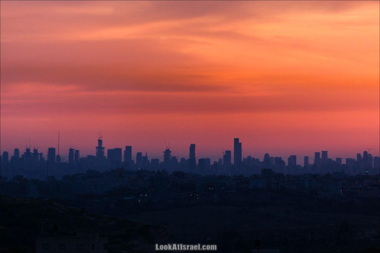 Тель-Авив на закате. Вид из Самарии   LookAtIsrael.com - Фото путешествия по Израилю и не только...