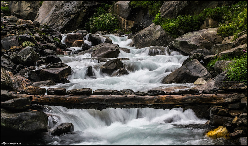 Stream and the bridge, Balu ka Gera - Hampta Pass Trekking