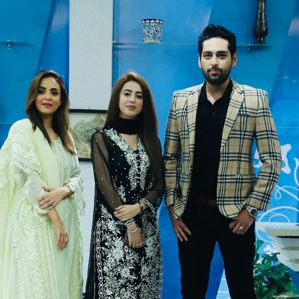 Salman Saeed and his wife Aleena Salman beautiful Pictures from Nadia show Morning At Home