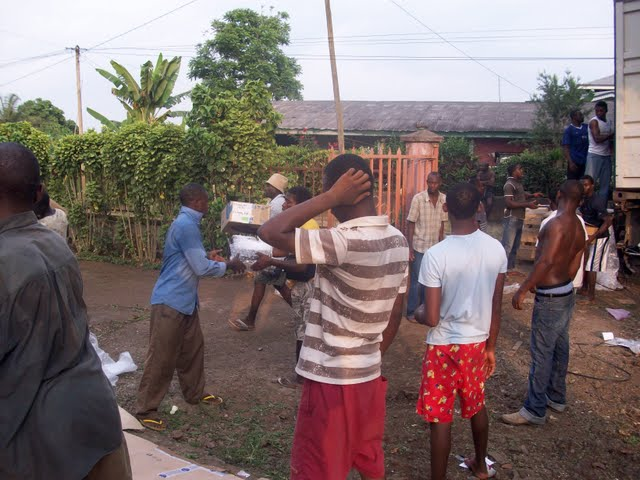 Container Arrival & Offloading in Buea - 100_9107.JPG