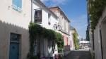 Eine kleine Straße in Noirmoutier-en-l'Île / Улочка в Нуармутье-ен-Лиль