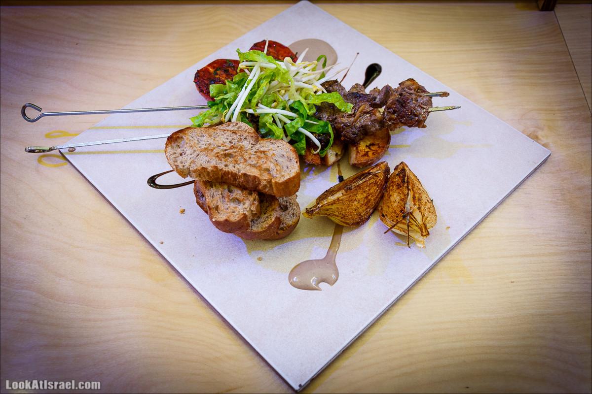 PFC - Лучшие гамбургеры Яффо | Popa Family Company - Best hamburgers in Jaffa | LookAtIsrael.com - Фото путешествия по Израилю