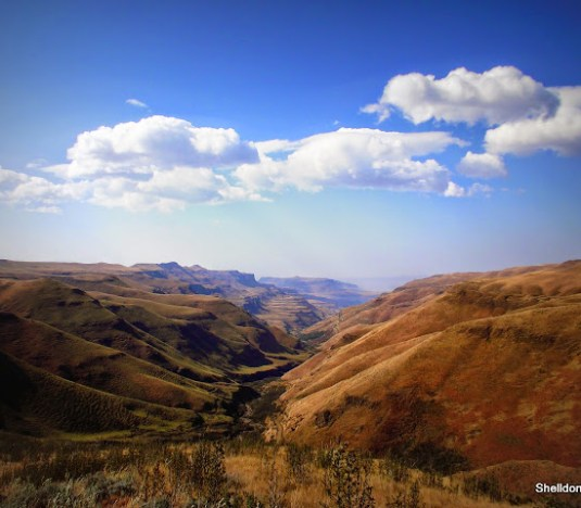 View fromt he top of sani pass to the east