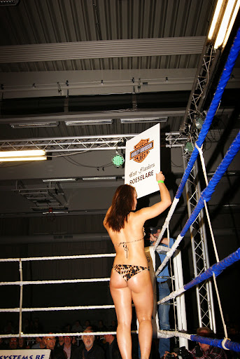 Savannah Prez, ringmeisje bokswedstrijd Zwevezele 11 nov 2013