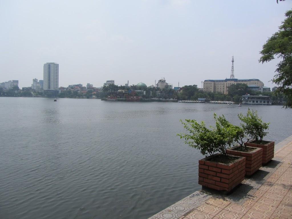 0116Hoan_Kiem_Lake