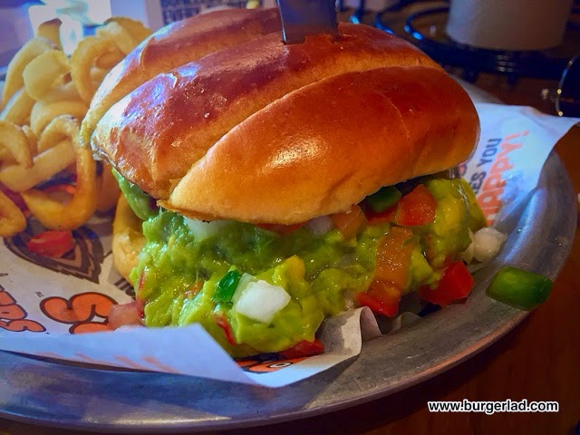 Hooters Baja Burger