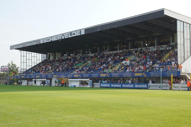 voetbaltribune Schiervelde