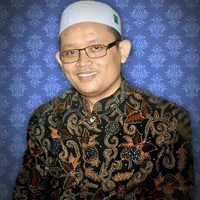 Pengasuh Pondok Pesantren Al Inshof Surakarta, Almukarrom KH Abdullah Sa'ad Al-Inshofi. Foto: FB Ust H Abdullah Sa'ad - PonPes Al Inshof (https://www.facebook.com/AbdullahSaadAlinshof/)