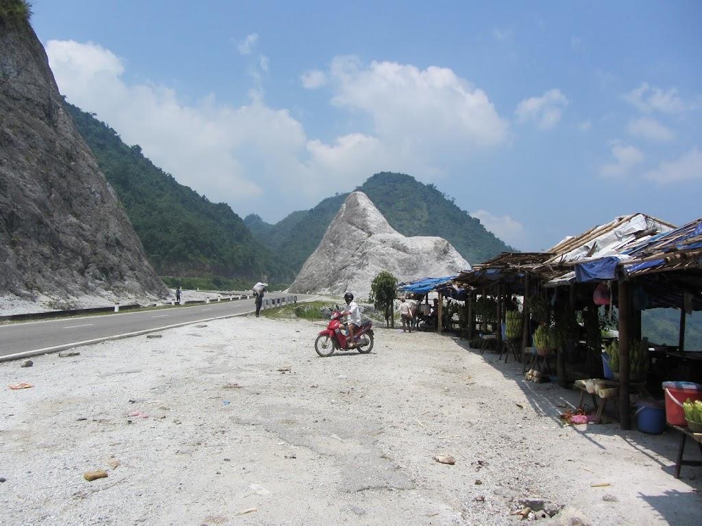 0068The_Road_to_Mai_Chau