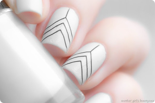 LFB Grau Grey Stamping MoYou Clean Simple Graphic Design Nailart