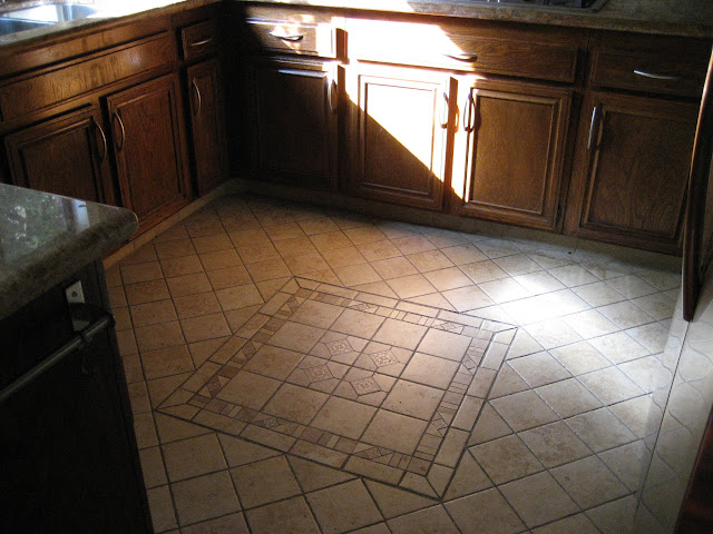 Stylish mozaic tile in Kitchen