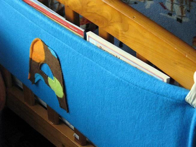 bunk bed book caddy | gluesticks