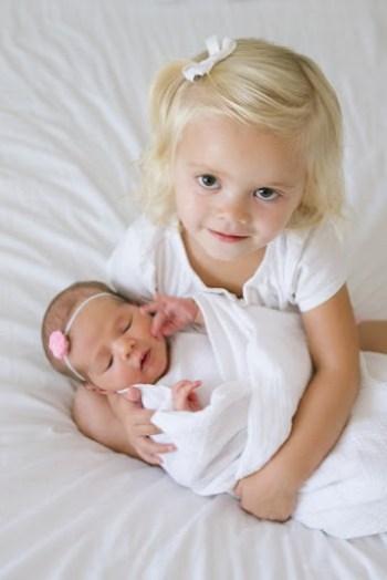 Ellie and Addie - Sibling Photos