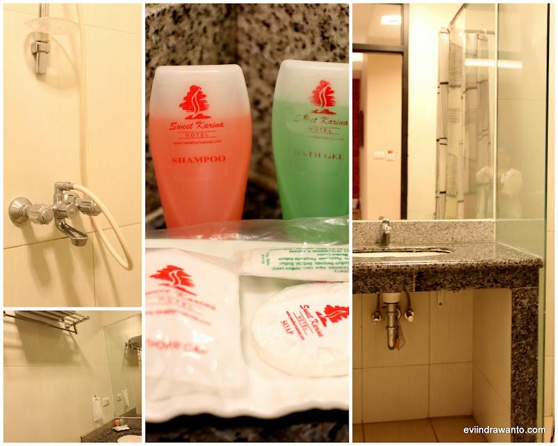 Happy-hapy di kamar mandi :)