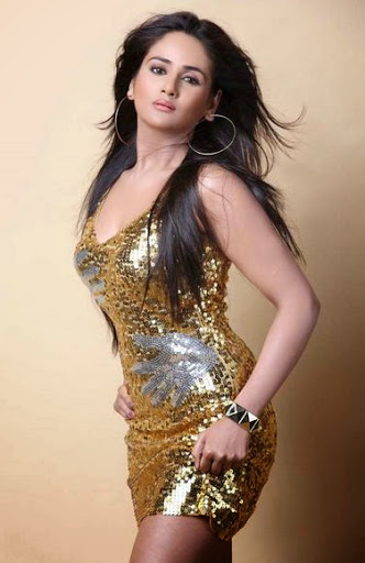 Parul Yadav Weight