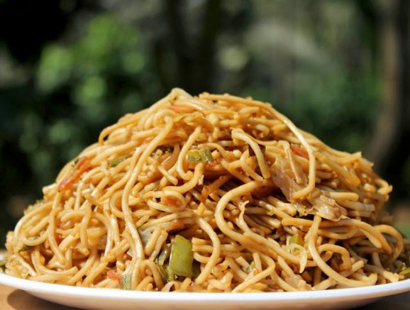 Vegetable Hakka Noodles Recipe | Indo-Chinese Vegetarian Noodles