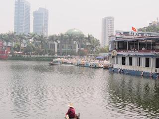 0117Hoan_Kiem_Lake
