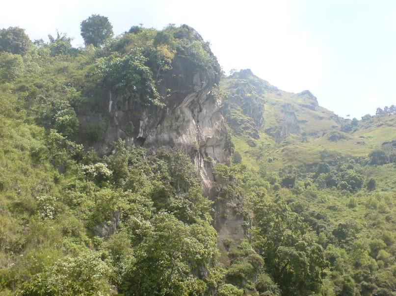 Jalan-jalan ke Danau Toba: Bagian 2/2 - Pulau Samosir (2/6)
