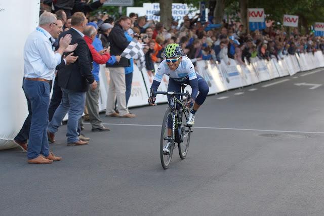 Nairo Quintana wint in Roeselare
