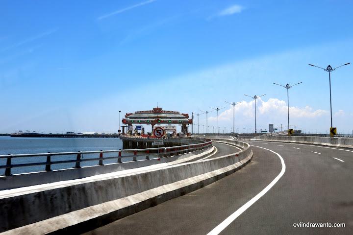 Ngurah Rai Tol Gate - Cerita jalan-jalan di Bali