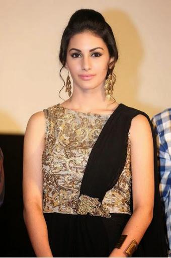 Amyra Dastur Weight