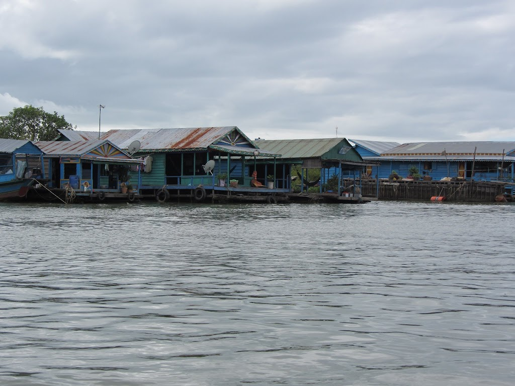 0027Tonle_Sap_Lake_Floating_Village