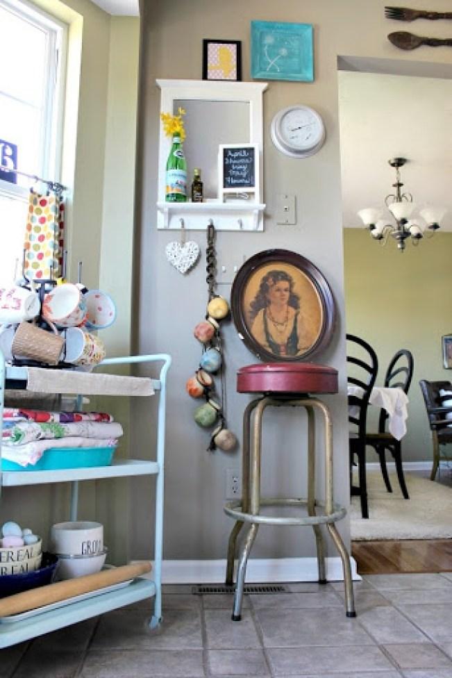 vintage-bar-stool-and-artwork-4