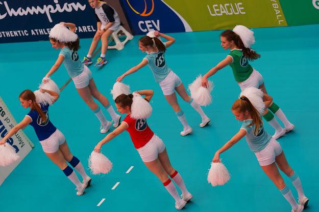 knack cheerleaders: Jade Vanhaelemeersch, Rhune Taliman, Elien Verbrugge, Lisa Depla, Silja Defrancq en Fran Vandevoorde