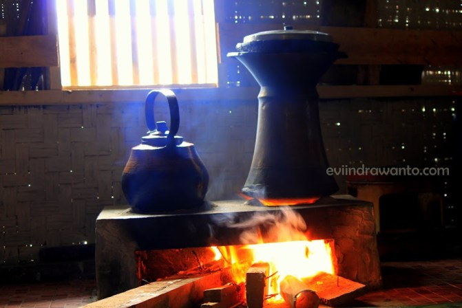 aroma kayu terbakar