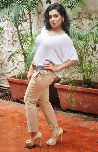 Meera Height