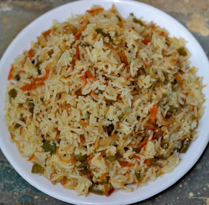 Chinese Vegetable Fried Rice | Vegetarian Fried Rice | Indo-Chinese Recipes | Foodomania.com