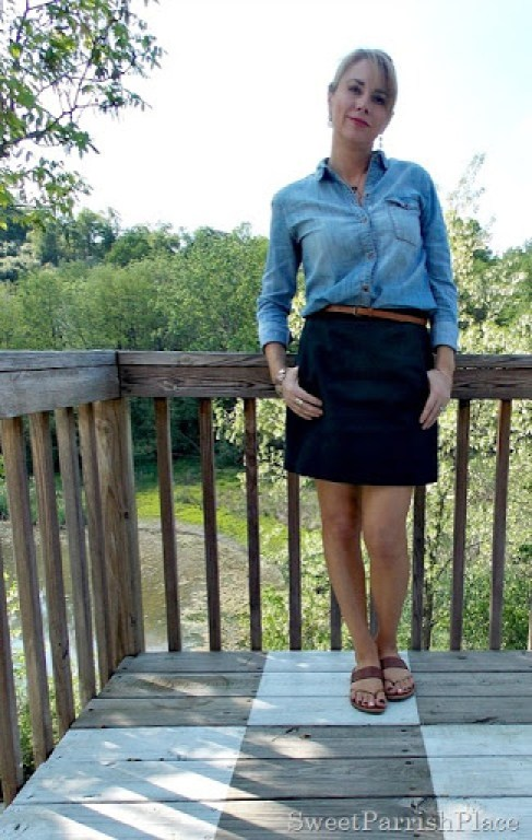 Black skirt, denim shirt, brown belt, brown sandals4