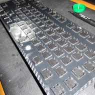 Hackeyboard placing switches 2.JPG