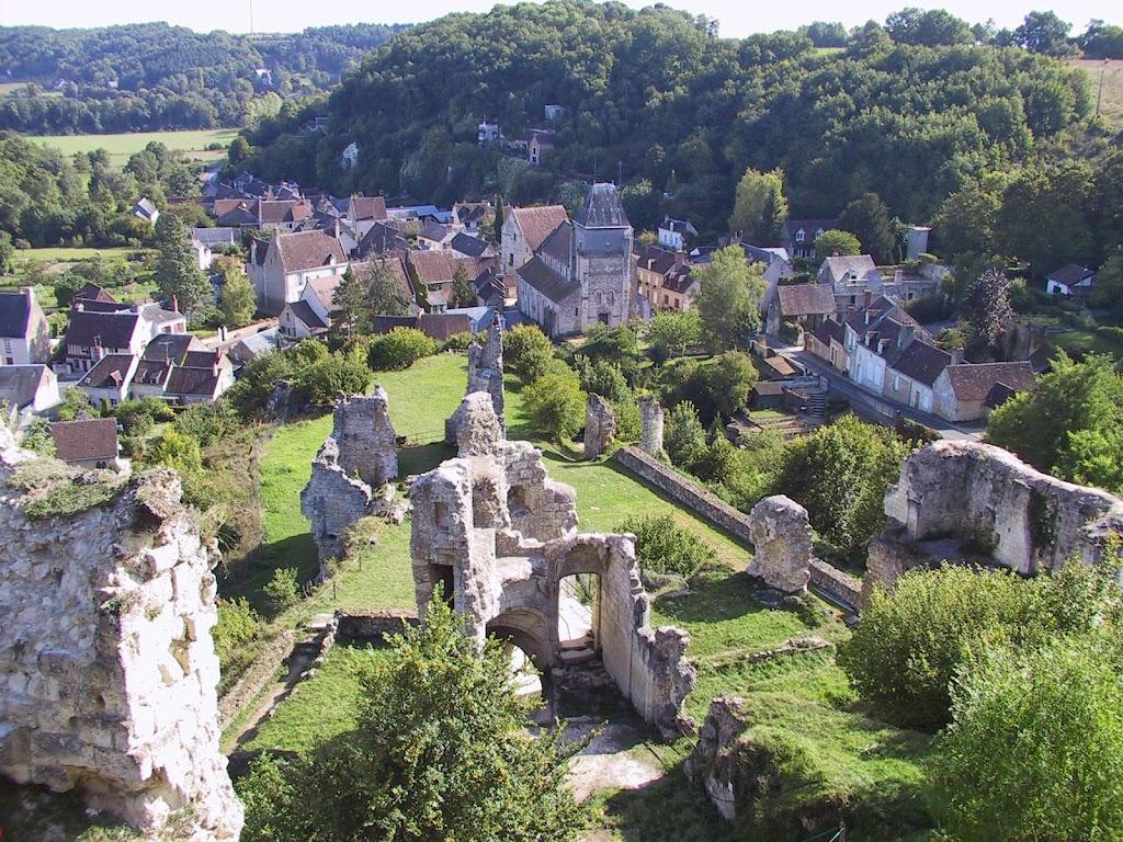 coeur-val-de-loire-tourisme-lavardin-plus-beau-village-de-france-village-et-chateau