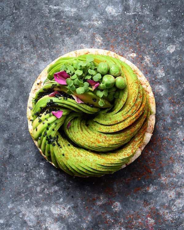 avocado-food-art-by-colette-dike-food-deco-6.jpg