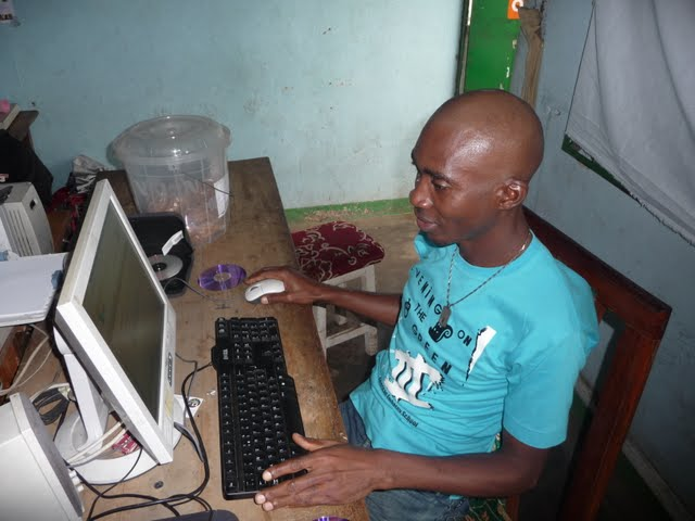 Free Computer Classes - P1090660.JPG