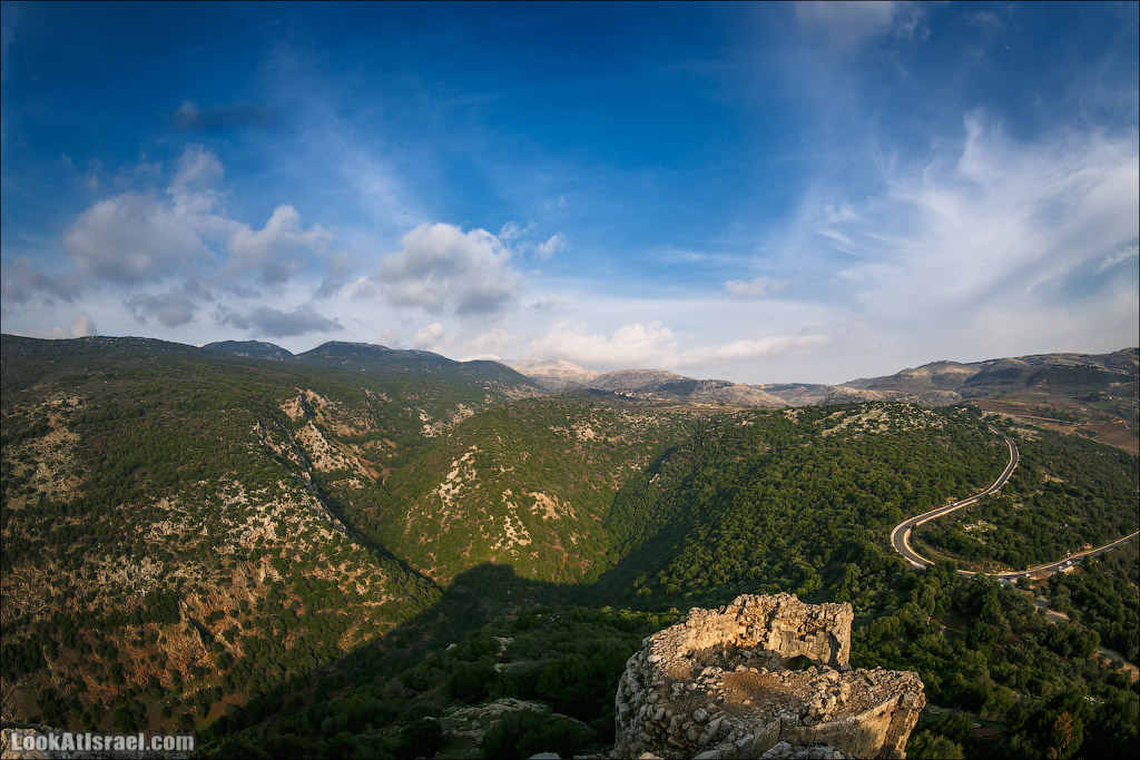 Крепость Нимрод | Nimrod Fortress | מבצר נמרוד | LookAtIsrael.com - Фото путешествия по Израилю