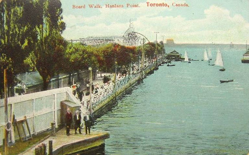 postcard-toronto-island-hanlans-point-board-walk-crowd-boats-rides-in-background-1916