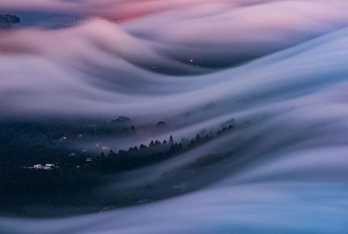 Foto Indah Gelombang Kabut