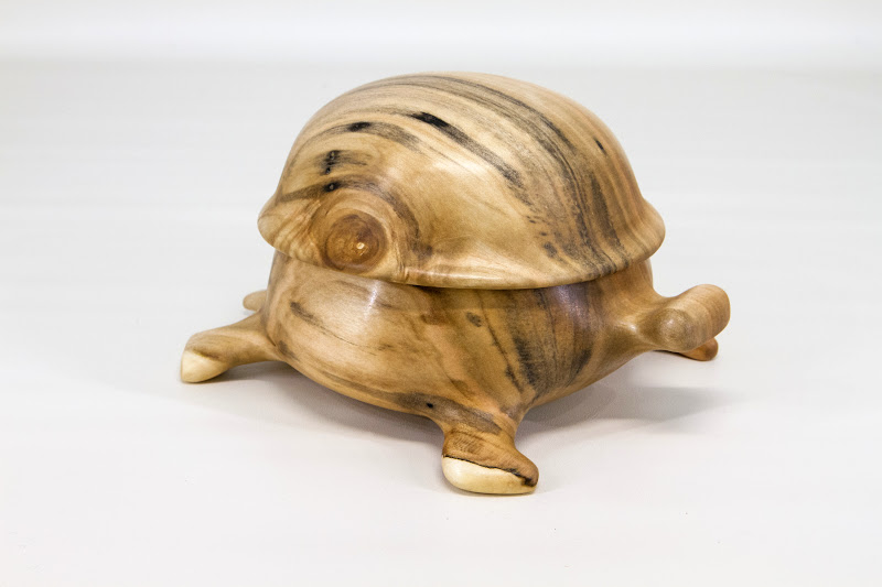 "Steve Haddix 6"" x 4"" ""Beads of Courage"" tortoise box ""Mosley"" [maple]"