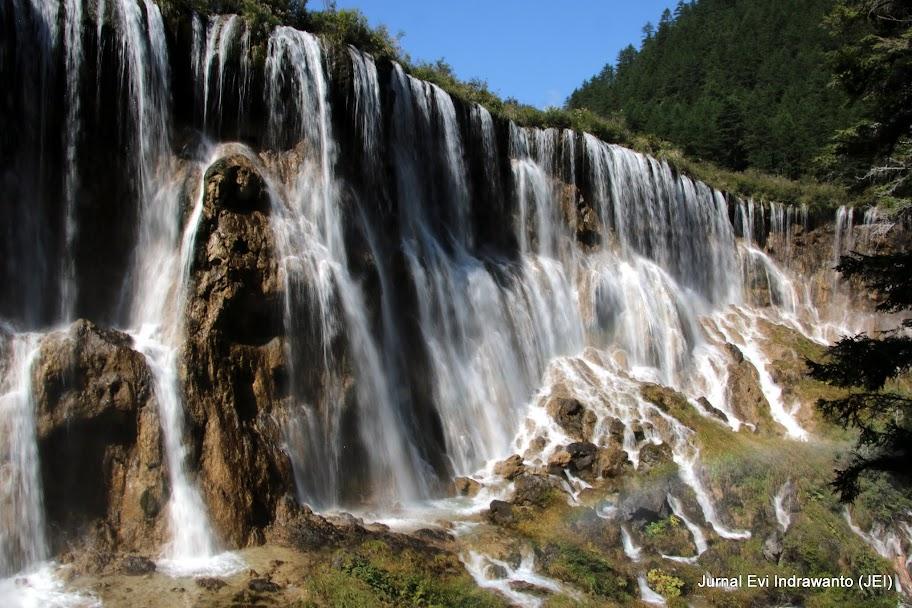 Pearl Shoals (Zhen Zhu Tan) Water Falls Taman Nasional Jiuzhaigou