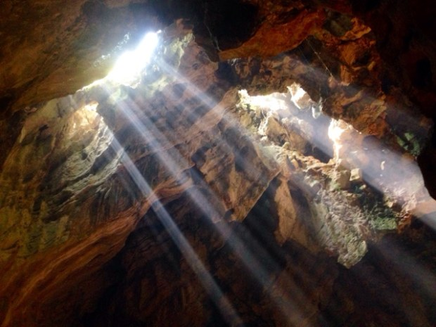 marble_mountain_cave