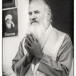 Autumn-2017-spiritual-meditation-retreat-Satguru-Sirio-Satsang26.jpg