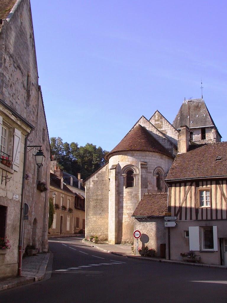 coeur-val-de-loire-tourisme-lavardin-plus-beau-village-de-france-eglise©ADT41-enola