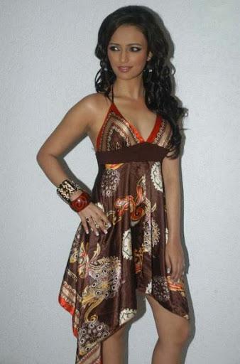 Roshni Chopra Body Size
